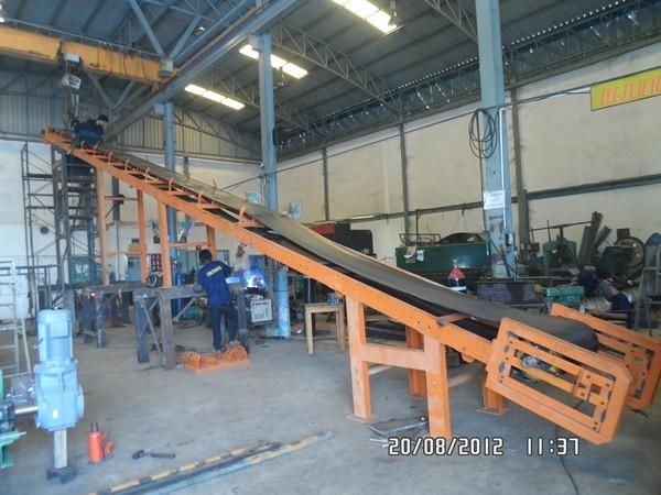 สายพานยางดำ (Rubber Belt Conveyor)